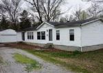 Foreclosed Home en W WEBSTER ST, Benton, IL - 62812