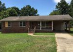 Foreclosed Home en SYCAMORE DR, Greenwood, SC - 29646