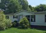Foreclosed Home en EDIE HILL RD SE, Uhrichsville, OH - 44683