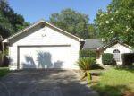 Foreclosed Home en PIMMIT HILLS DR, Jacksonville, FL - 32244