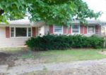 Foreclosed Home en GRAYSON ST, Benton, IL - 62812