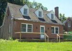 Foreclosed Home en INGLESIDE AVE, Emporia, VA - 23847