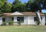 Foreclosed Home en BIGGS TER, Arlington, TX - 76010