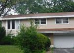 Foreclosed Home en CHESTNUT DR, Hazel Crest, IL - 60429