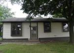 Foreclosed Home en W 55TH ST, Davenport, IA - 52806