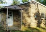 Foreclosed Home en HIGHWAY 100 W, Centerville, TN - 37033