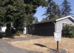 Foreclosed Home en NE 10TH AVE, Oak Harbor, WA - 98277