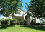 Foreclosed Home en KATE LN, Grand Prairie, TX - 75052