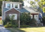 Foreclosed Home en LOUIS AVE, Patchogue, NY - 11772