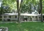 Foreclosed Home en W KALONG CIR, Southfield, MI - 48034