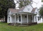 Foreclosed Home en S PENN AVE, Eminence, KY - 40019
