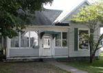 Foreclosed Home en DOUGLAS ST, Paris, IL - 61944