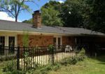 Foreclosed Home en S 9TH ST, Collins, MS - 39428
