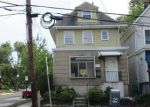 Foreclosed Home en WOODBRIDGE AVE, Highland Park, NJ - 08904