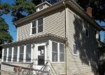 Foreclosed Home en WAYNE ST, Warwick, RI - 02889