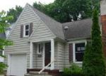 Foreclosed Home en E 21ST ST, Holland, MI - 49423