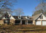Foreclosed Home en MAGNOLIA RIDGE LN, Carriere, MS - 39426