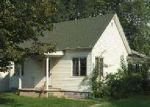 Foreclosed Home en W 1ST ST, Morrisonville, IL - 62546