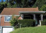 Foreclosed Home en HILLSIDE DR, Pittsburgh, PA - 15235