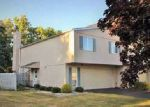 Foreclosed Home en RIVER RUN DR, Fremont, OH - 43420