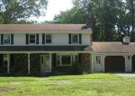 Foreclosed Home en SHARON DR, Coventry, RI - 02816
