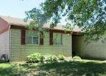 Foreclosed Home en VECCHIO DR, Clinton Township, MI - 48038