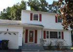 Foreclosed Home en HOLLISTER DR, East Hartford, CT - 06118