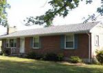 Foreclosed Home en MAPLEWOOD DR, Vinton, VA - 24179