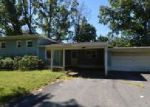 Foreclosed Home en EVELYN AVE, North Brunswick, NJ - 08902