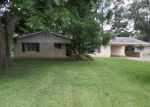 Foreclosed Home en ATTAKAPAS DR, Opelousas, LA - 70570