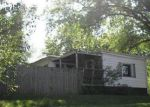 Foreclosed Home en W 49TH ST, Davenport, IA - 52806