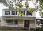 Foreclosed Home en W RIVER RD, Scottsville, VA - 24590