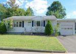 Foreclosed Home en DOBSON DR, East Hartford, CT - 06118