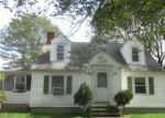 Foreclosed Home en CHESTNUT HILL RD, Chepachet, RI - 02814