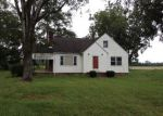 Foreclosed Home en WARD STORE RD, Fairmont, NC - 28340