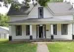 Foreclosed Home en E BENTON ST, Windsor, MO - 65360
