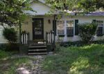 Foreclosed Home en WOODVIEW LN, Scottsville, KY - 42164