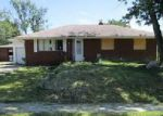Foreclosed Home en CLARK AVE, Beech Grove, IN - 46107