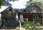 Foreclosed Home en CLAYTON ST, Milford, CT - 06461