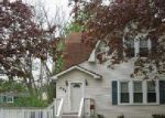 Foreclosed Home en W CRYSTAL LAKE AVE, Crystal Lake, IL - 60014
