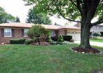 Foreclosed Home en VINCENZIA DR, Clinton Township, MI - 48038