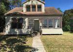 Foreclosed Home en W JOHN AVE, Orange, TX - 77630