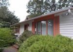 Foreclosed Home en WINSOR AVE, North Kingstown, RI - 02852