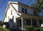 Foreclosed Home en MAGNOLIA TER, Upper Darby, PA - 19082