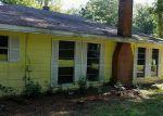 Foreclosed Home en W A HOLDER RD, Livingston, TX - 77351
