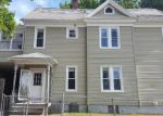 Foreclosed Home en ELM ST, Holyoke, MA - 01040