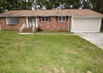 Foreclosed Home en ROBERT E LEE DR, Hopewell, VA - 23860
