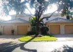 Foreclosed Home en LAKE LOUISE CIR, Naples, FL - 34110