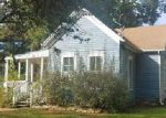 Foreclosed Home en N OAK ST, Ottawa, KS - 66067