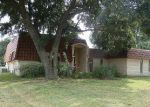Foreclosed Home en LONG LEAF DR, Houston, TX - 77088